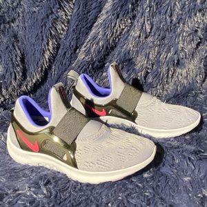 Nike shoes size 6